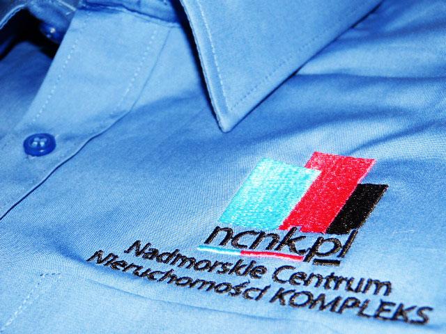 Koszula z własnym logo