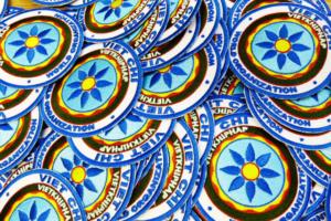 Emblematy okrągłe , haft komputerowy.